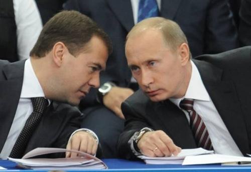 Трюкачи Путин и Медведев
